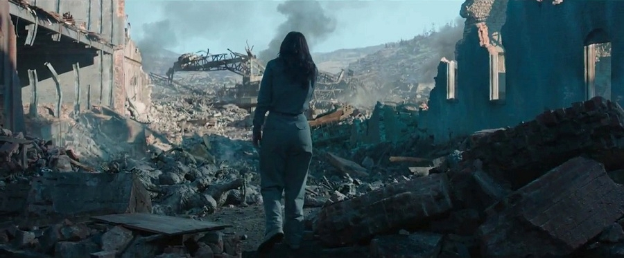 katniss-final-trailer-mockingjay-district-12
