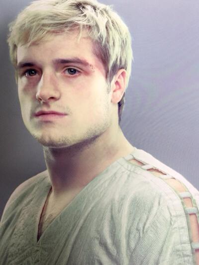 Photographs-From-Hunger-Games-peeta (4)