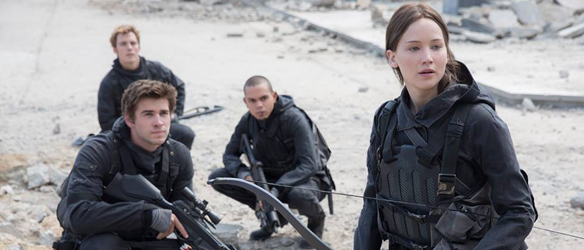 still-katniss-gale-finnick-mockingjay-2-cop