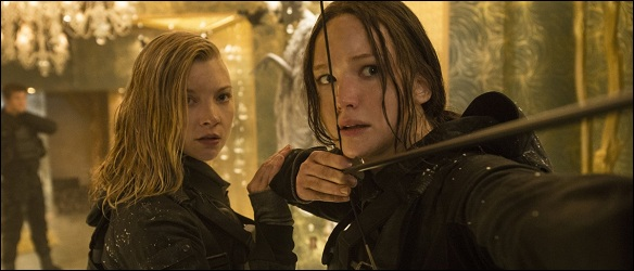cressida-katniss-still-mockingjay