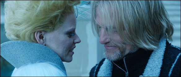 effie-haymitch-bacio