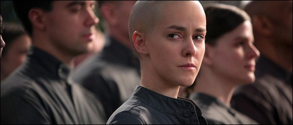 johanna-still-mockingjay-cop